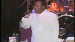 Luther Vandross Dance w/ My Father Live Performance thumbnail
