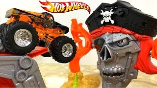 hotwheels-monster-jam-pirate-takedown-ataque-pirata-con-rayo-mcqueen-mate-blaze-y-crusher