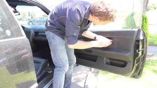 Removing the Door Panel of my E36 BMW 328is (Step 1 for window repair)