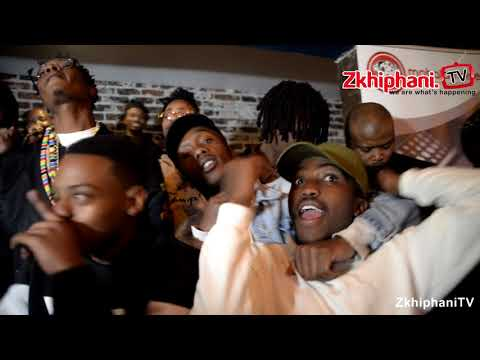 Maggz performs with L-Tido at his listening session