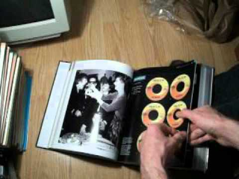 Unboxing of a Canadian Beatles reference book