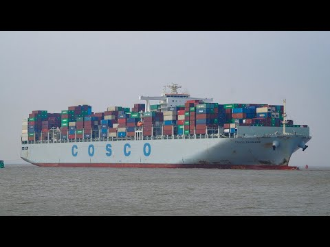 container ship COSCO DENMARK approaching port of felixstowe 29/5/18