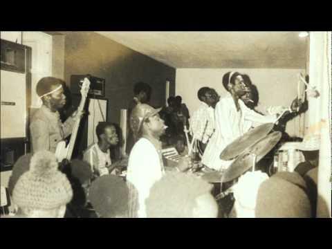 Guelewar Band of Banjul - Djaraama / From : Tasito