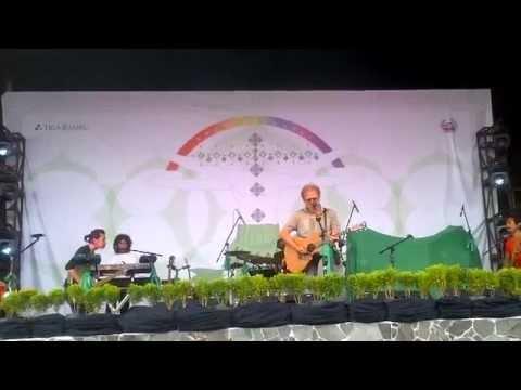 Indonesia Raya 3 Stanza - Iwan Fals Konser Pelangi Hijau
