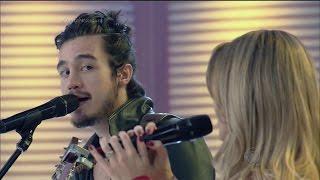 """Sintonia pura! Sandy e Tiago Iorc cantam juntos """"Me Espera"""" no palco da Xuxa"""