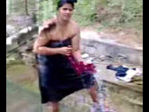 Kerela  Aunty bathing out door  must watch thumbnail