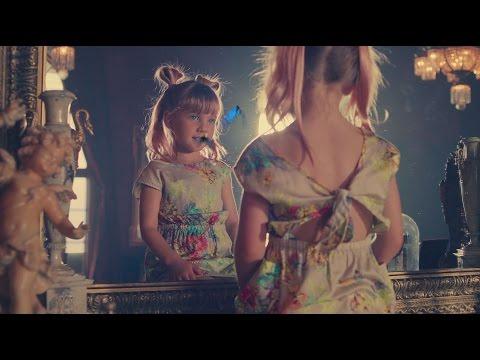 Alice de l'Autre Côté du Miroir - Chanson : Just Like Fire de P!nk