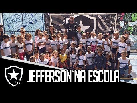 Colégio Alvinegro | Jefferson visita Escola Municipal Honório
