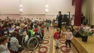 Концерт в День защиты детей Дмитрий Нестеров Мне снова 18