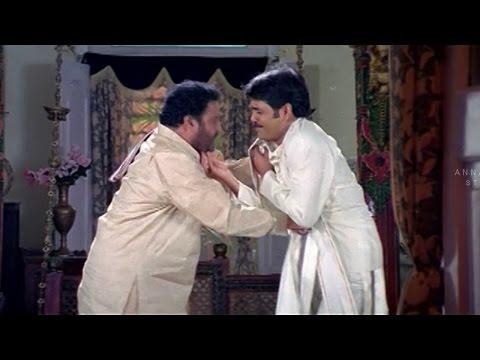 Nagarjuna And Sanghavi Romantic Scene || Sitaramaraju Movie || Harikrishna,Nagarjuna