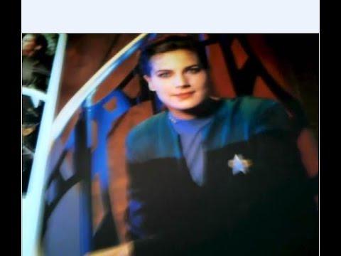 Terry Farrell Star Trek Magazine June 2000
