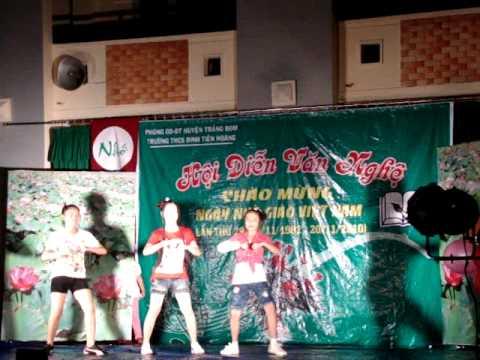 "dance ""nuabo""/ THCS dinh tien hoang-trang bom- lớp 8a1-20/11/2010"