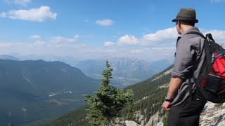 HIKING MOUNTAINS WITH FRIENDS//BANFF~ MOUNT RUNDLE