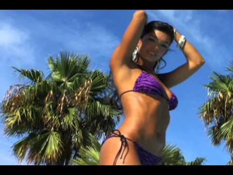Denisse González, una sexy mexicana thumbnail