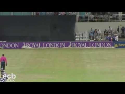 The Most Extraordinary Cricket Shot You'll Ever See (Kumar Sangakkara)