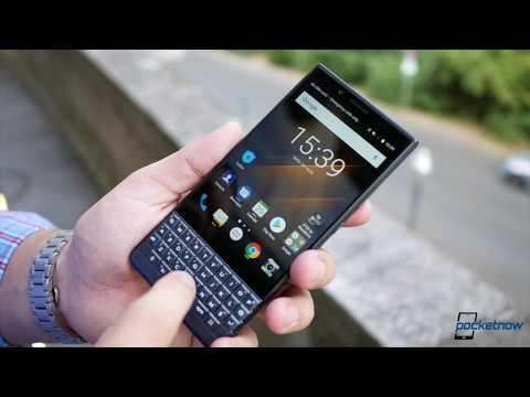 BlackBerry KEY2 LE Hands-on: It's NOT A KEY2 In Colors