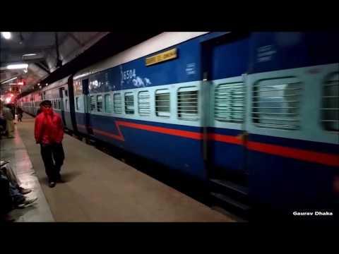 #Offlink || Okha Gorakhpur Express at Gwalior Jn with Ludhiana WAG-7 27275 || Indian Railways