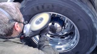 Aluminum Rim Polishing (drive) on the truck