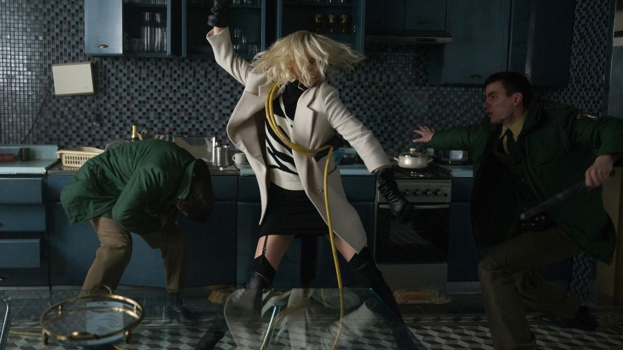 Atomic Blonde   Official French Trailer   Universal Pictures Canada