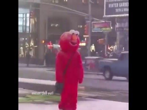 Elmo vine : Hello darkness my old friend