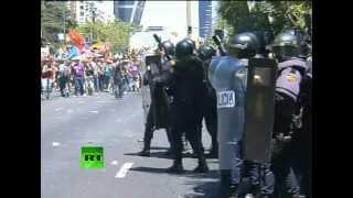 Протесты в Испании: полиция использует резиновые пули(, 2012-07-11T15:10:33.000Z)