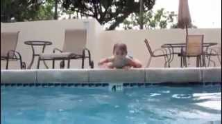 1 yr old baby diving to the bottom of the pool & swimming by herself!!!