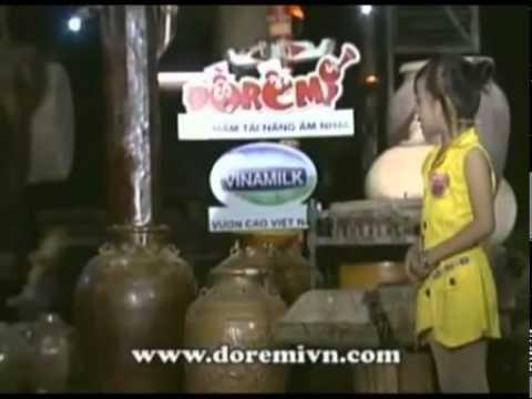 Vui 1 bé gái hoá thân thành Vân Dung trong phần thi năng khiếu Đoremi   1 be gai hoa than thanh Van Dung trong phan thi nang khieu Doremi