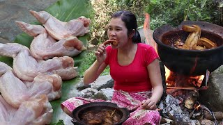 Cooked chicken recipe in clay for Lunch in the woods - Survival Skills Cooking # 105