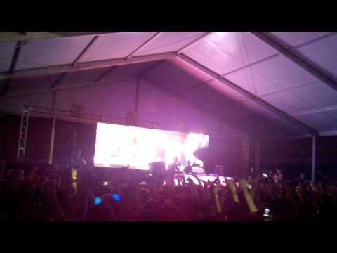 Dash Berlin ft. Jonathan Mendelsohn -- World Falls Apart (Governor's Island June 30, 2012)