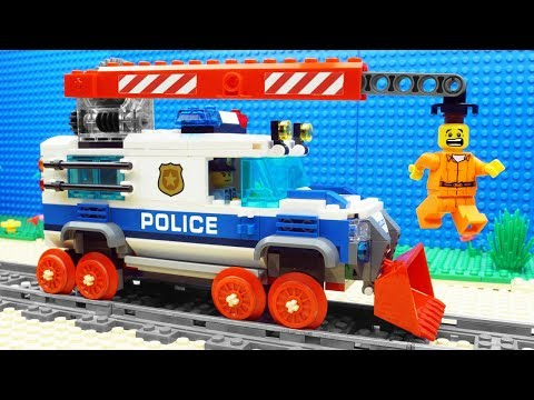 Lego Train Police Bulldozer - Parkour Fail