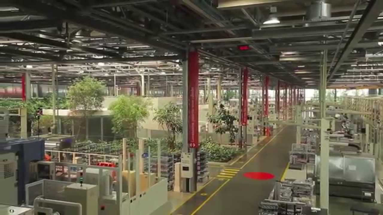 BMW Factory Tour >> Ferrari Manufacturing Factory Tour - YouTube