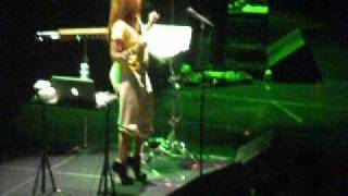 erykah badu live 06 11 10 atl you loving me didn t cha know