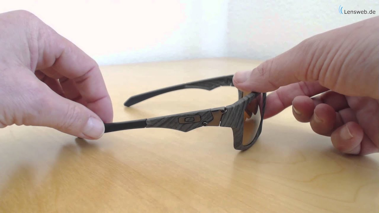 68085177ee Oakley Jupiter Squared - Woodgrain - Tungsten Iridium - YouTube
