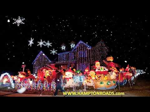BEST CHRISTMAS LIGHT DISPLAYS 2017 with traditional Christmas carols bells music