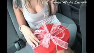видео Что подарить любимой на 8 марта