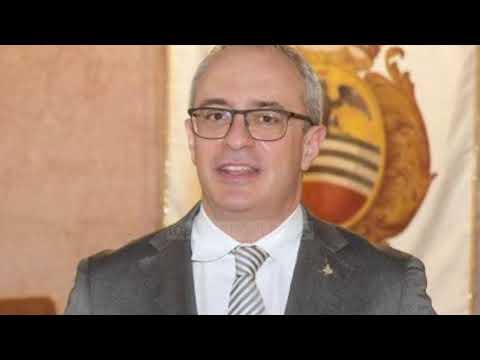 Download Top Channel/ Sherr në lokal, politikani italian nxjerr armën dhe vret emigrantin!