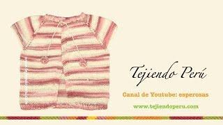 Chaqueta con manga raglan para niña de 6 a 9 meses tejida en dos agujas o palillos