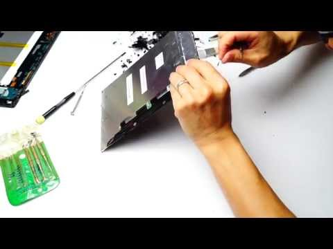 03 Malaysia Johor Batu Pahat Sony Xperia Tablet Z Try Removing Top Glass by Raymond Ong