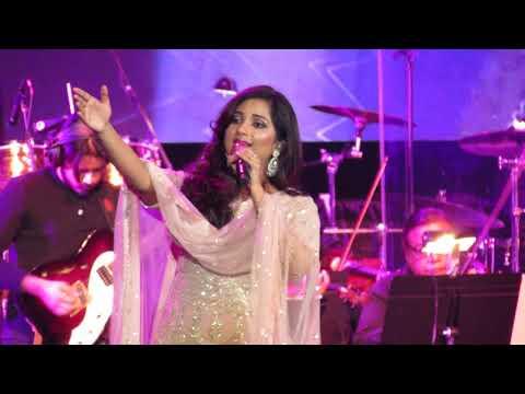 Nagada Sang Dhol Shreya Ghoshal Live(Goliyon Ki Rasleela Ram-leela)