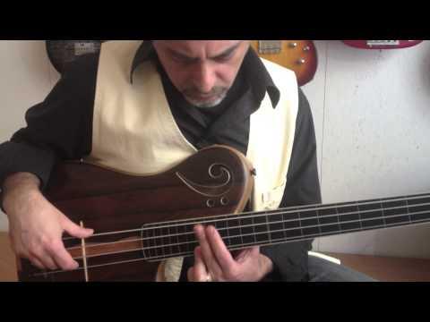 Jacaranda Proxima de Sensi - semi-acoustic bass - demo 1