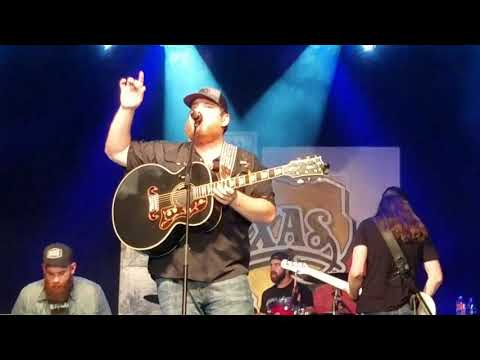 Luke Combs Hurricane at Billy Bob's Texas 11.4.17