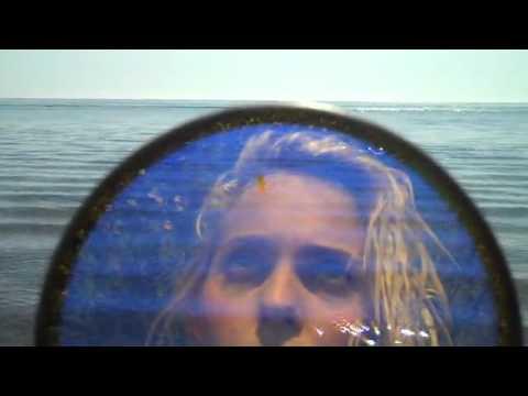 Клип U.S. Girls - Island Song