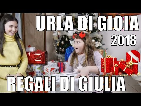 APERTURA REGALI DI NATALE PER GIULIA URLA DI GIOIA   Che uscirà ? by Marghe Giulia Kawaii
