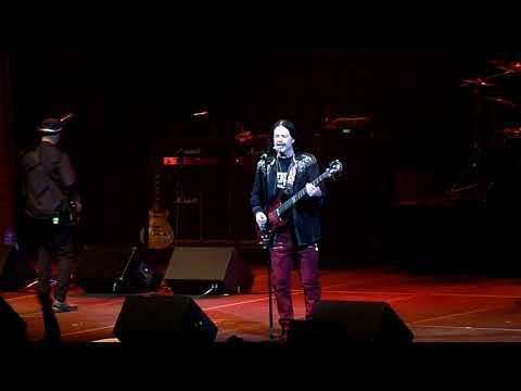 """John Payne Of Asia """"Heat Of The Moment"""" (Live In St Charles MO 02-09-2018)"""