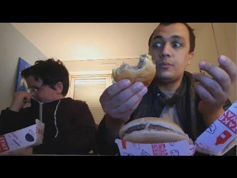 Mini D4lymoyion m'invite chez lui à manger un big Burger