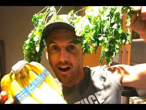 I FOUND THE BEST VEGAN SMOOTHIE...YOU'LL NEVER GUESS WHAT'S IN IT!!