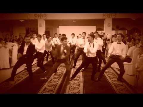 Два Красивых Движения Для ФлэшмобаTwo Beautiful Moves For The Flash Mob