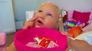 Alice Pretend Play Shopping with Giant Grocery Store Super Market Toy