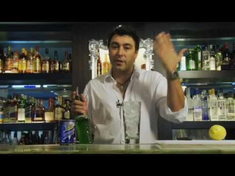 カクテルレシピ|ミドリリキュール使用 ミドリレモネードの作り方