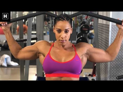 IMPRESSIVE FEMALE BODYBUILDER | Renee Porter